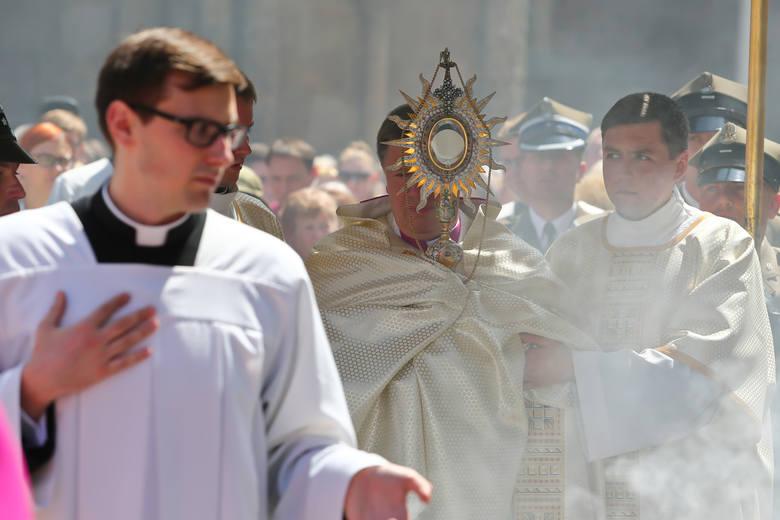 W czwartek Boże Ciało. Uroczysta msza św. pod przewodnictwem abp. Józefa Kupnego zostanie odprawiona o godz. 9 w katedrze. Po mszy św. wyruszy główna