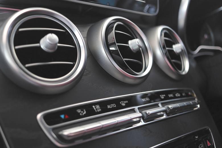 Używasz klimatyzacji w samochodzie? Uważaj! Oto czym możesz się zarazić