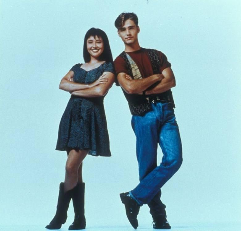 """Serial """"Beverly Hills 90210"""" powraca. Obsada znów razem. Tak się zmienili główni bohaterowie ZDJĘCIA"""