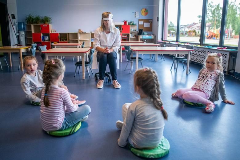 W poniedziałek, 25 maja po ponad dwumiesięcznej przerwie dzieci wróciły do żłobków i przedszkoli w Poznaniu. Wcześniej placówki przeprowadziły wśród