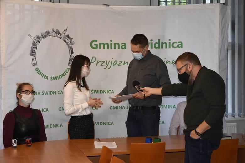 Podpisanie umowy na budowę nowego przedszkola w Świdnicy.