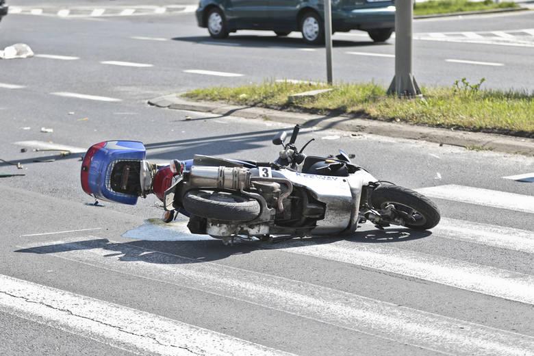 Wypadek w Zielonej Górze, kierowca skutera, mercedes