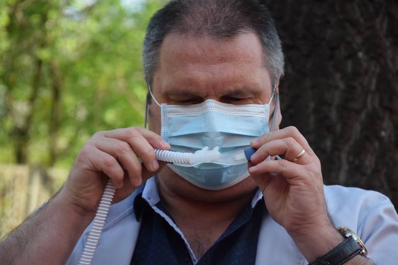 Piotr Dębicki jest ordynatorem oddziału reumatologii, chorób płuc i chorób wewnętrznych szpitala wojewódzkiego w Gorzowie