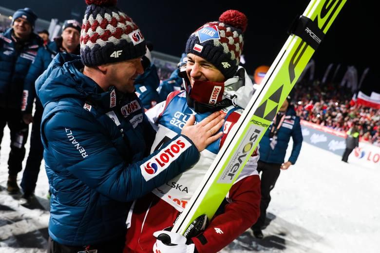 Robert Lewandowski zdobył statuetkę dla Najlepszego Sportowca roku na w Plebiscycie Przeglądu Sportowego. Kapitan naszej reprezentacji odebrał statuetkę