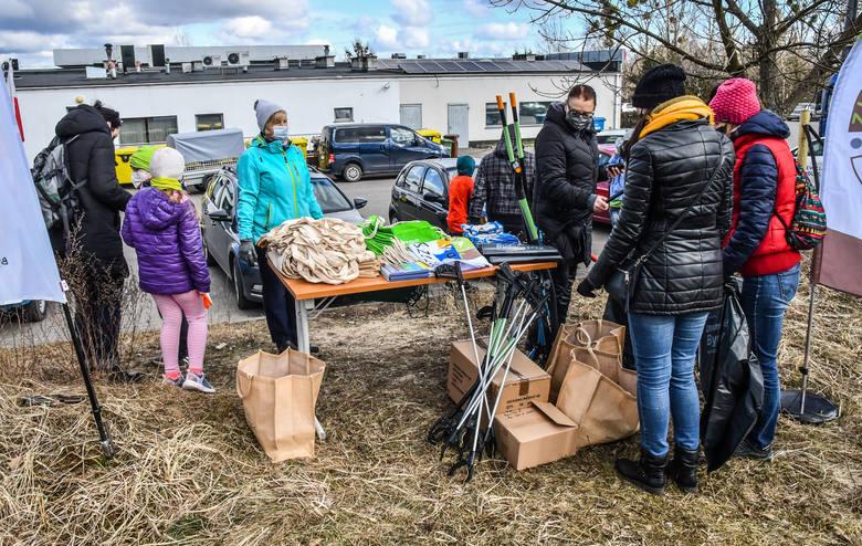 20 marca 2021 roku - sprzątanie lasu na Kapuściskach zorganizowane w ramach akcji Czysta Bydgoszcz