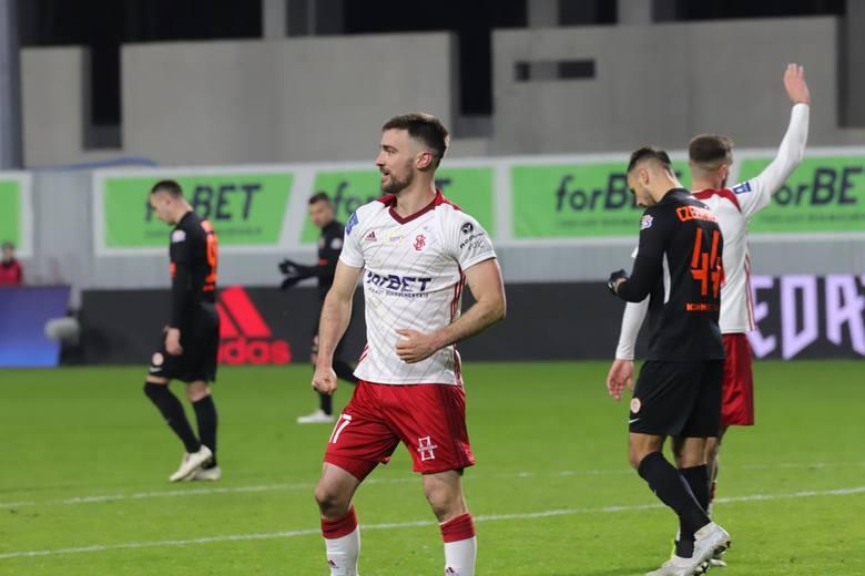 Piłkarska ekstraklasa. Bardzo dobre wieści dla piłkarzy ŁKS i Widzewa