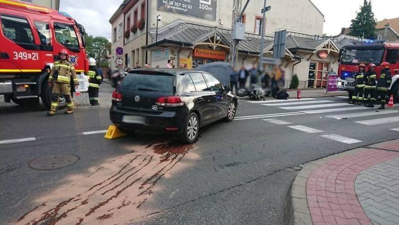 Grybów. Wypadek z udziałem samochodu i motocykla. Mężczyzna został poszkodowany