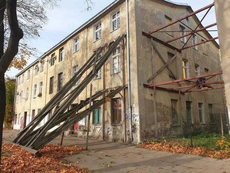 Kamienica przy pl. Zwycięstwa 10.