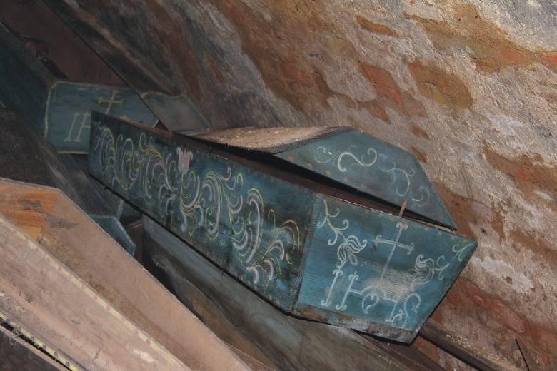 Być może już niedługo dowiemy się, jakie tajemnice skrywają trumny odnalezione pod kościołem w Kańczudze.