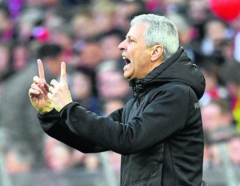 Trener BVB Lucien Favre przyznaje, że Bayern powinien zdobyć kolejne mistrzostwo z rzędu