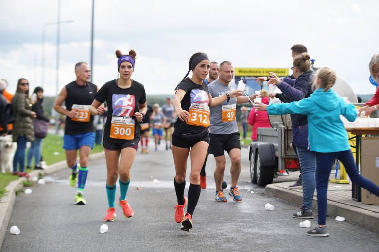 Żołnierz najszybszy w 3.  Słupskim Półmaratonie Biegiem do Jantara.Mariusz Borychowski z 1 Lęborskiego Batalionu Zmechanizowanego wygrał wczorajszy półmaraton