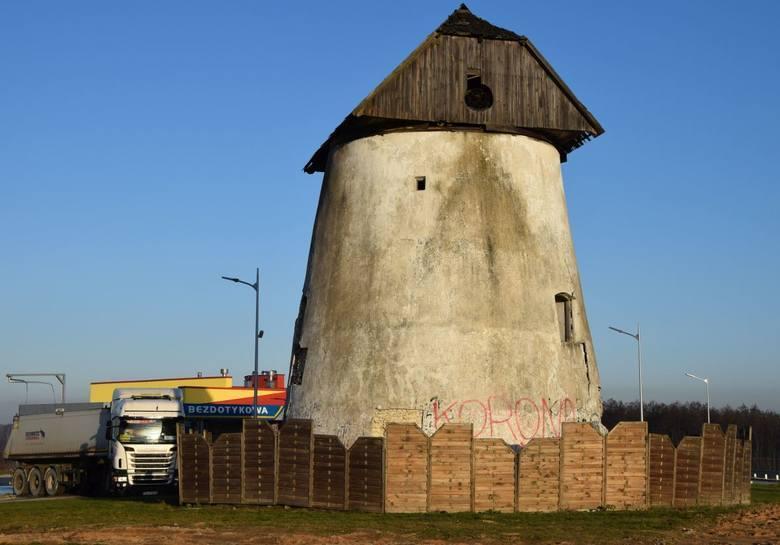 Słynny zabytkowy wiatrak w Krasocinie przejdzie renowację. Gmina dostała 500 tysięcy złotych z ministerstwa