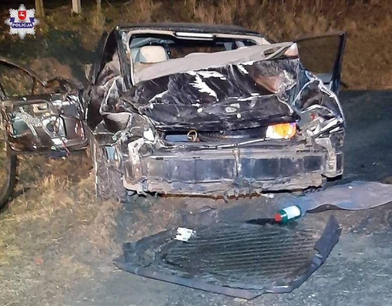 Wypadek w Piotrawinie. Jechał za szybko i dachował. Wyglądało groźnie