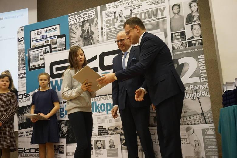 Laureaci odbierali statuetki i nagrody od partnerów naszego plebiscytu