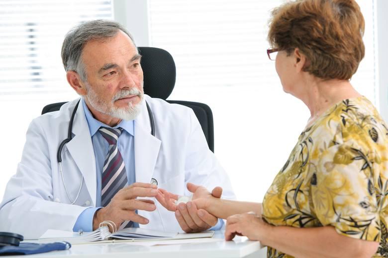 W wielu zagranicznych kurortach lekarze przyjmują tylko prywatnie, a więc nie honorują EKUZ - trzeba więc ponosić pełne koszty leczenia za granicą
