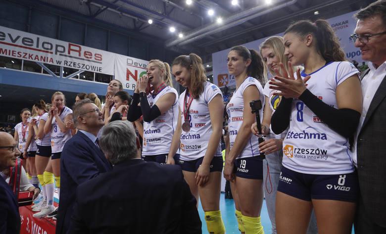 Developres Rzeszów z brązowym medalem Ligi Siatkówki Kobiet. Zobacz jak cieszyły się siatkarki [WIDEO]