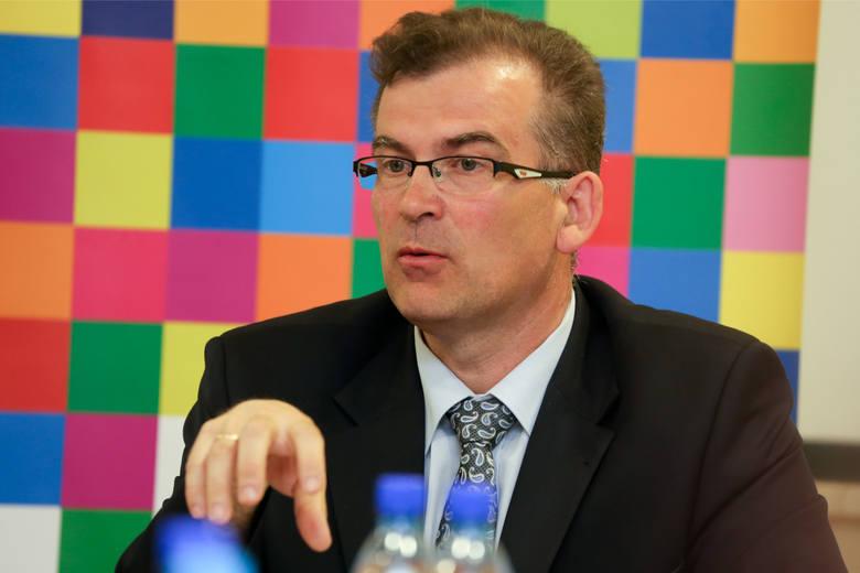 Wyborcza awantura w Michałowie spowodowana jest tym, że Marek Nazarko nie może pełnić dwóch funkcji jednocześnie