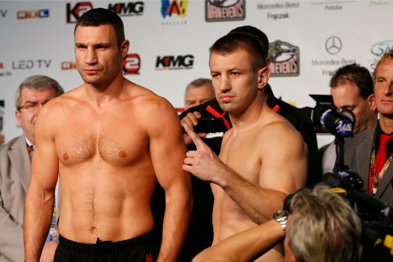 Aż w trzech dywizjach o tytuł walczył Tomasz Adamek. W półciężkiej dzierżył pas WBC w latach 2005-07 (trzy wygrane i porażka). W junior ciężkiej odebrał