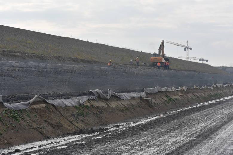 Budowa zbiornika Racibórz Dolny ukończona jest w 53 proc.