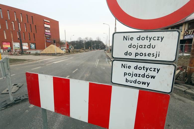 Fabryczna w Lublinie już bez aut. Sprawdź, jak jeździ komunikacja miejska. Zobacz też zdjęcia