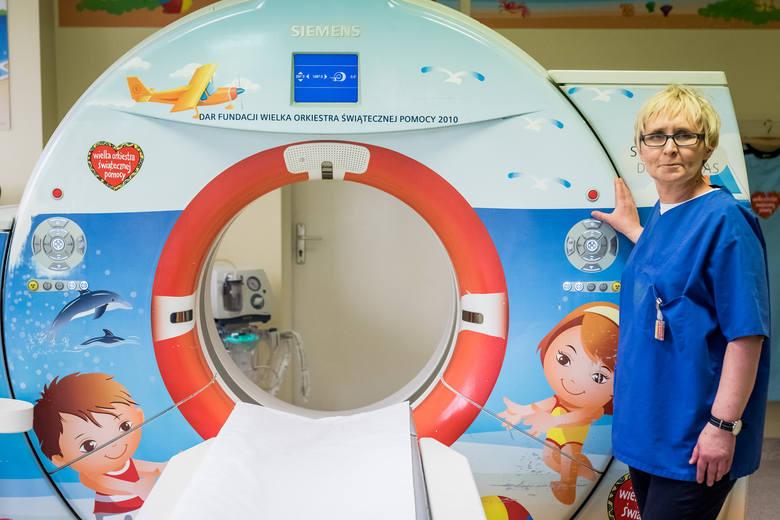 W ubiegłym roku wykonano prawie 96 tys. badań tomografii komputerowej. Najczęściej były to badania TK głowy.<br /> W województwie łódzkim umowę z NFZ na z badań rezonansem magnetycznym można skorzystać z 20 placówek, w tym 9 na terenie Łodzi. Z tomografii komputerowej można skorzystać w 35...