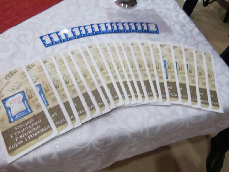 """W Klinice Uzdrowiskowej """"Pod Tężniami"""" im. Jana Pawła II w Ciechocinku dziesięć podmiotów gospodarczych (przetwórcy, producenci, restauratorzy)"""
