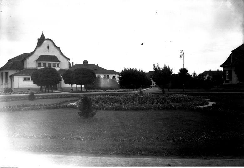 Budynki szpitalne z teatrem, w którym odbywają się przedstawienia i koncerty dla chorych.