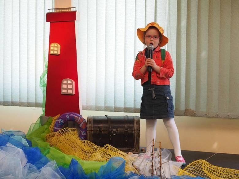 Dzieci z czternastu przedszkoli z miasta i powiatu wzięły udział w Przeglądzie Piosenki Morskiej i Turystycznej.