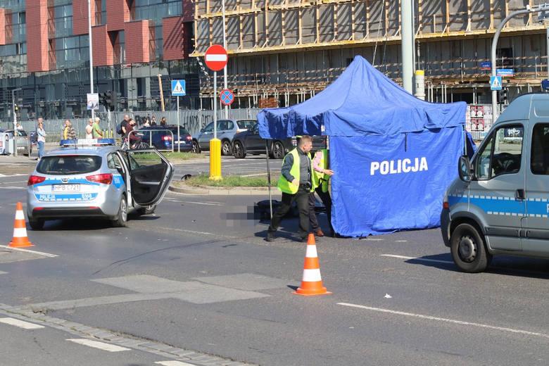 Tragiczny wypadek na Legnickiej. Nie żyje mężczyzna jadący na hulajnodze
