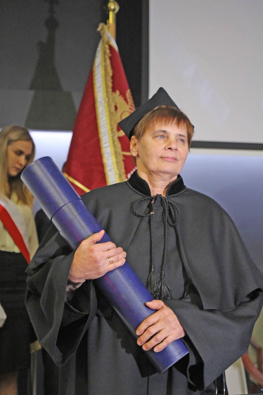 Wystarczą tylko te słowa: Janina Ochojska-Okońska doktorem honoris causa Śląskiego Uniwersytetu Medycznego w Katowicach