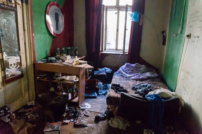 Jedno z opuszczonych mieszkań