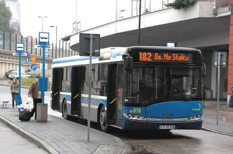 Solaris Urbino 12To niskopodłogowy miejski autobus, mogący pomieścić nominalnie 102 pasażerów (w tym posiadają 29 miejsc siedzących).Pierwsze autobusy