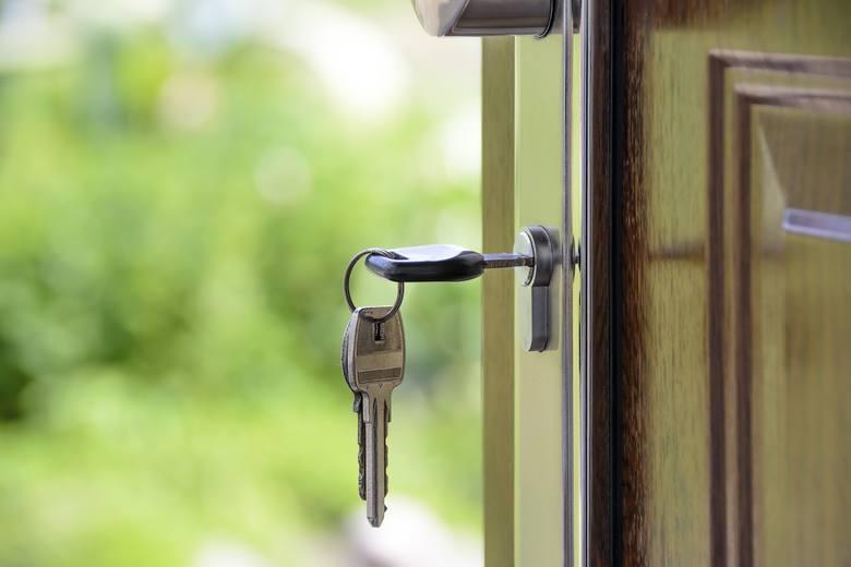 Licytacje komornicze są doskonałą okazją do kupna mieszkania po atrakcyjnej cenie. Zobaczcie najciekawsze oferty z województwa lubuskiego.Chciałbyś kupić