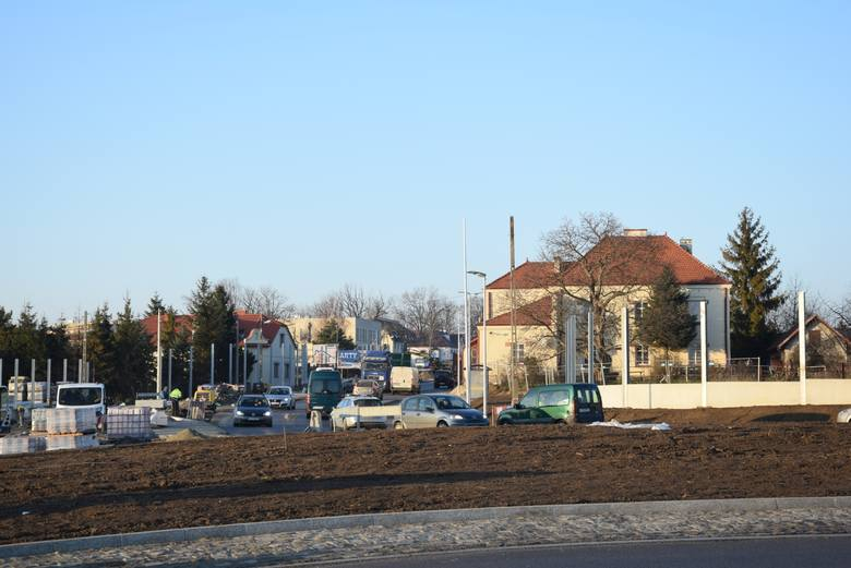 Rondo pełne uciążliwości. Inwestycja na drodze krajowej w Modlnicy rozczarowała mieszkańców 11.01