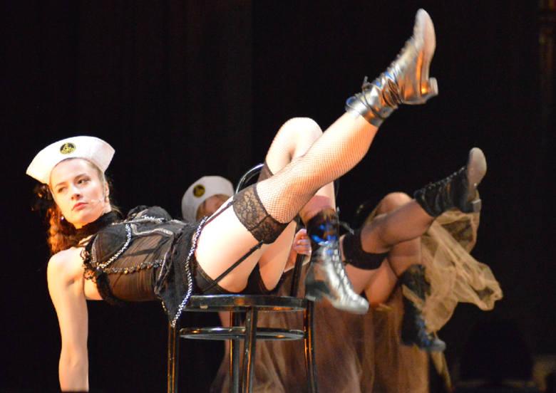 Zielonogórskie aktorki są sexy! Zobacz na żywo, co wyprawiają na scenie (zdjęcia)