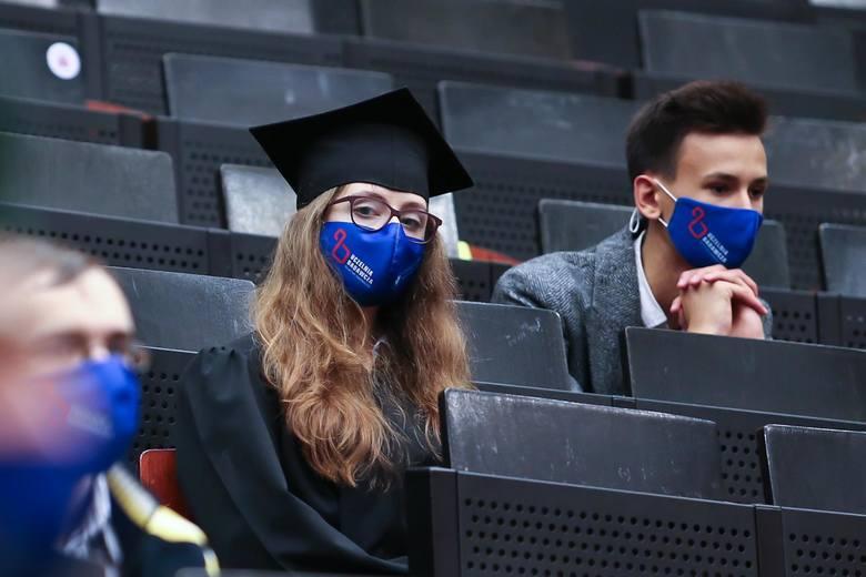 Na Uniwersytecie Wrocławskim ruszyła zimowa rekrutacja na studia (śródroczna) dla kandydatek i kandydatów, którzy chcą rozpocząć studia w lutym. Uczelnia