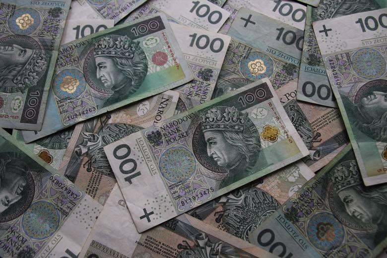 Pieniądze (dokładnie 4 mln 177 tys. zł) pochodzą z opłat wnoszonych przez inwestorów za wyłączenie gruntów z produkcji rolnej.
