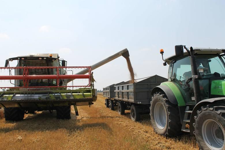 W poprzednich latach rolnicy sięgali po dotacje na maszyny rolnicze pełnymi garściami. Teraz dotacje obwarowane są dodatkowymi warunkami, dlatego przed