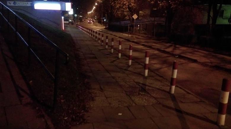 Kraków. Korekta strefy płatnego parkowania. Postawią tysiące słupków za milion złotych?
