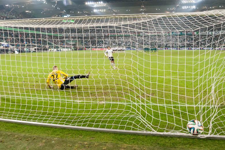 Czas na rundę finałową PKO Ekstraklasy. 31. kolejka rozgrywek zapowiada się bardzo interesująco za sprawą starcia na Łazienkowskiej. Legia Warszawa podejmie
