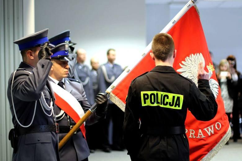 Ślubowanie policjantów. 20 nowych funkcjonariuszy (zdjęcia)