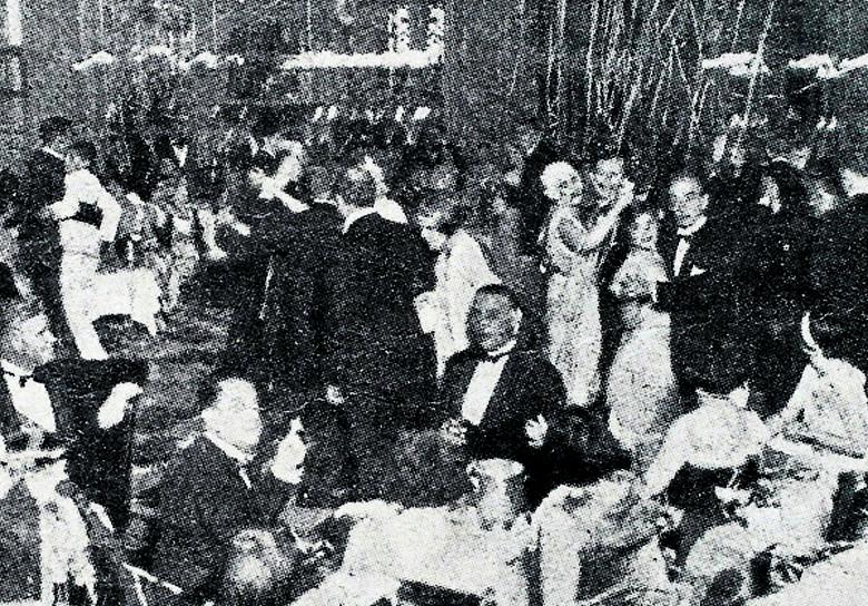 W latach dziewięćdziesiątych łodzianie witali Nowy Rok m.in. na Placu Dąbrowskiego