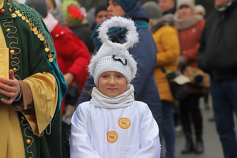 1.Dekanat Brzeziny35,9 proc.Według obliczeń ISKK to najbardziej religijny dekanat w archidiecezji łódzkiej. Do kościoła chodzi tu aż 35,9 proc. wiernych,