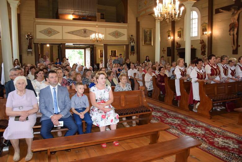W czwartą rocznicę koronacji cudownego obrazu Matki Bożej oraz w pięćsetną rocznicę erygowania parafii ks. bp Piotr Sawczuk przewodniczył uroczystej