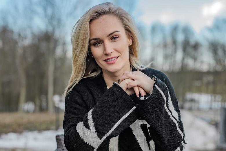 """Kamila podbije program """"Rolnik szuka żony""""? Internauci zachwycają się jej urodą.Zobacz kolejne zdjęcia. Przesuwaj zdjęcia w prawo -"""