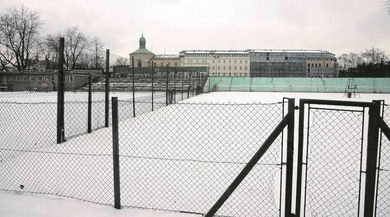 Korty tenisowe KS Nadwiślan u zbiegu ulic Sukienniczej, Dietla i Koletek