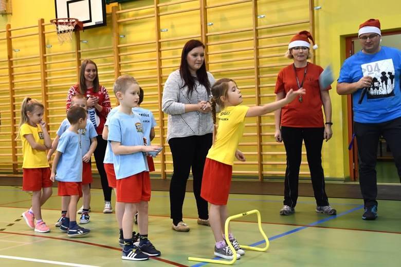 W hali sportowej przy Szkole Podstawowej nr 3 w Sławnie odbyła się Zimowa Olimpiada Przedszkolaków. W zawodach organizowanych w hali sportowej przy ul.