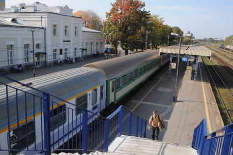Najwięcej niespodzianek czeka łodzian podróżujących pociągami do Warszawy - rozkłady jazdy zmieniają Przewozy Regionalne oraz Intercity.