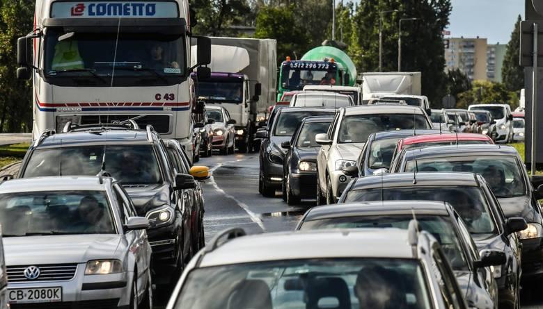 Jaki procent kierowców miało w swojej historii ubezpieczenia jakąś szkodę i ilu ich przypada na 1000 samochodów tej marki? Dane, jakie zebrała Punkta