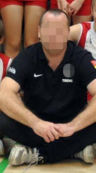 Białystok. 10 lat więzienia za gwałty, znęcanie się i rozpijanie uczennic. Sąd utrzymał wyrok dla Brunona B.